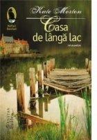 Casa langa lac