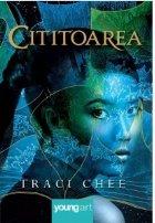 Cititoarea Traci Chee