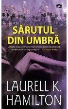 SARUTUL DIN UMBRA, vol. 1 din seria MEREDITH GENTRY